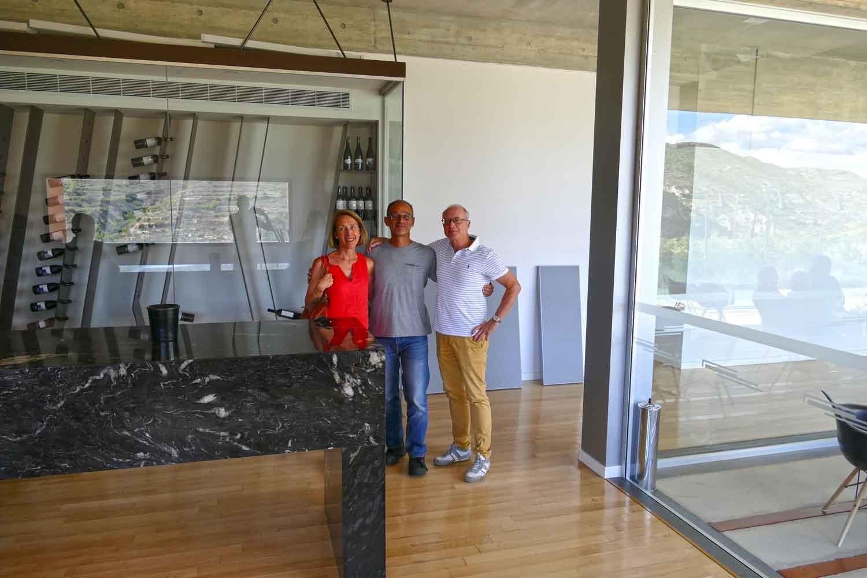 Yvonne und Bernhard Furler zusammen mit Sophocles Vlassides
